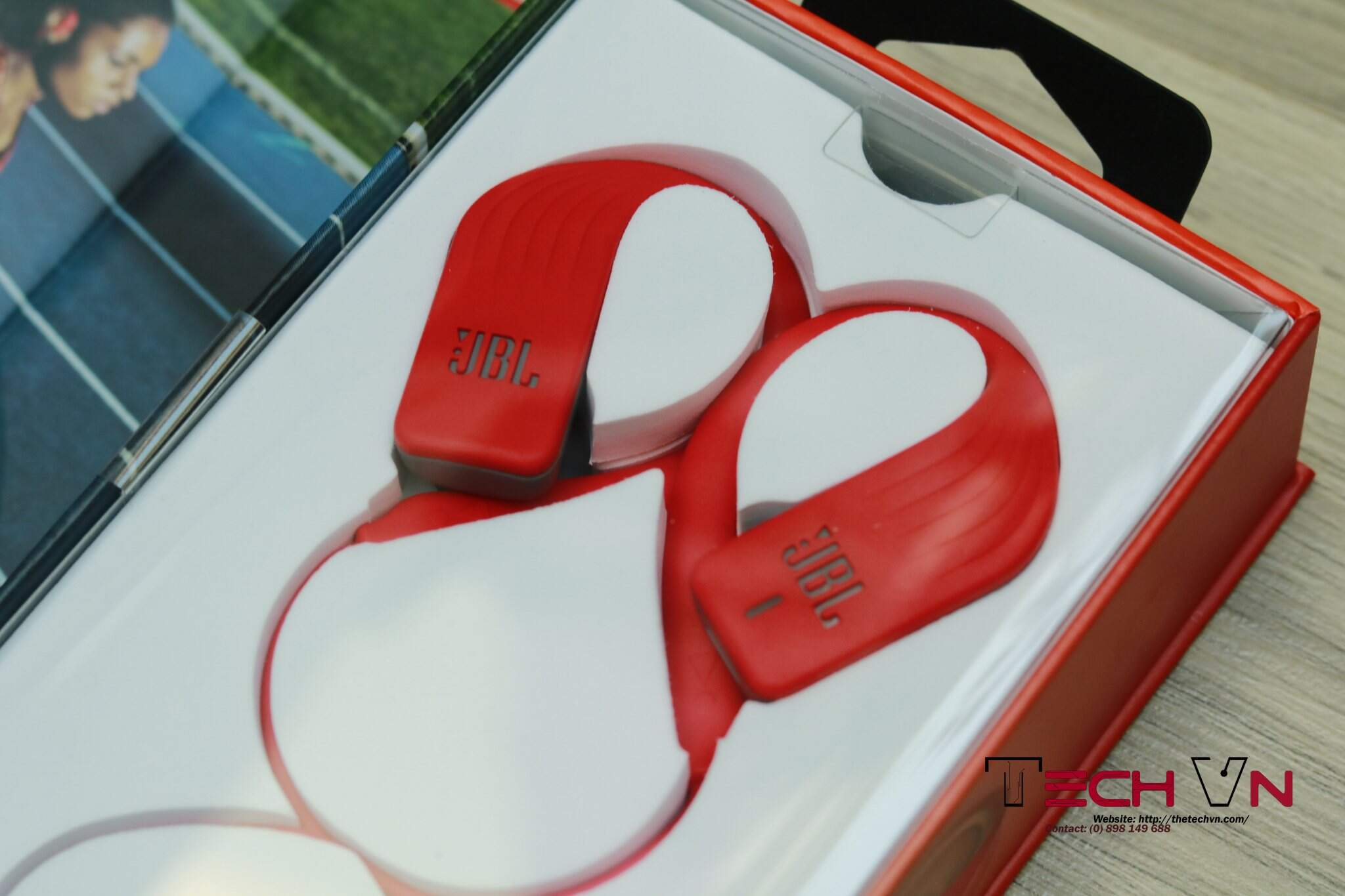 Techvn - tai nghe bluetooth JBL Endurance SPRINT 06.jpg