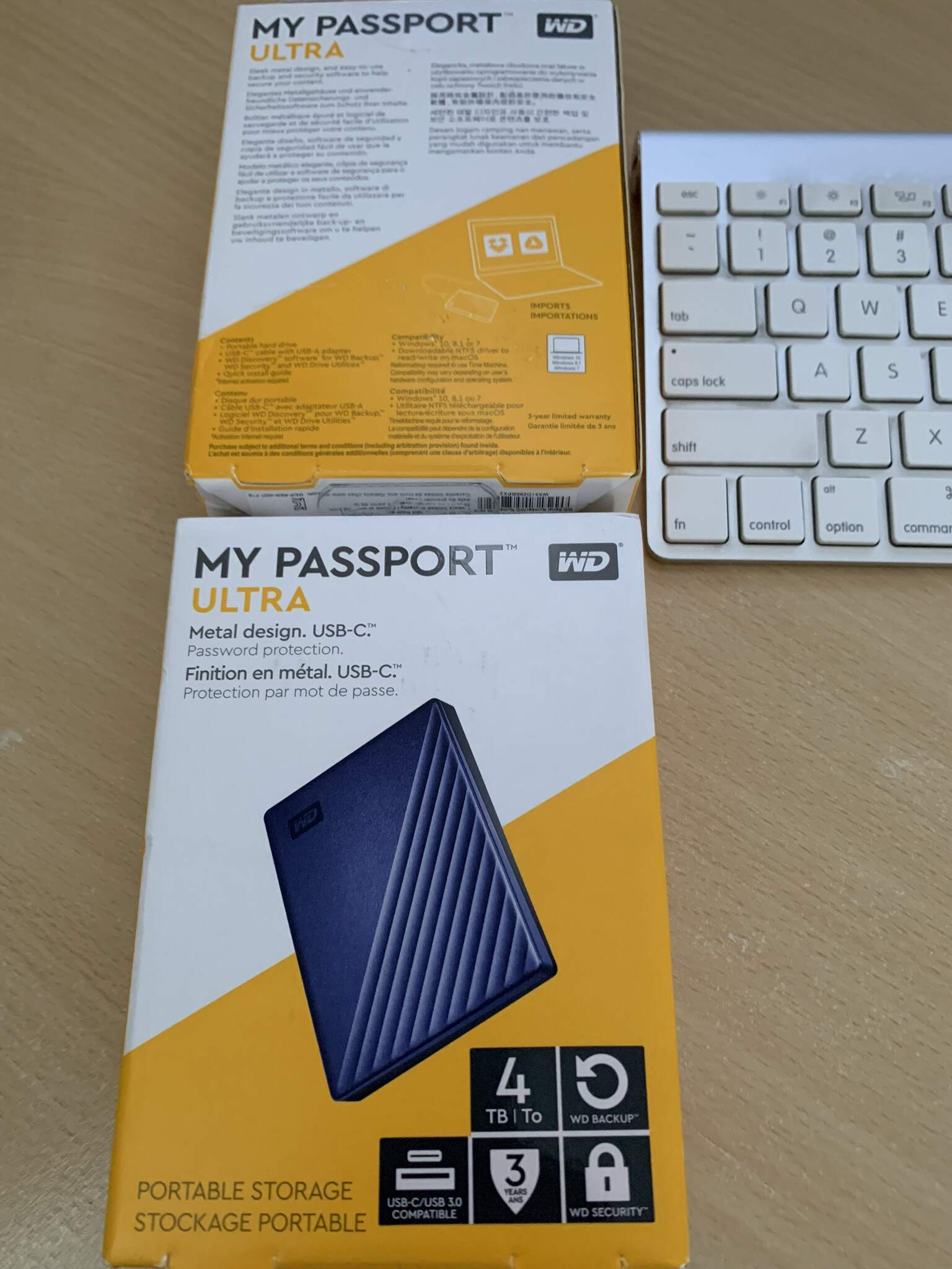 Ổ cứng WD 4TB My Passport Ultra Blue Portable 3tr3