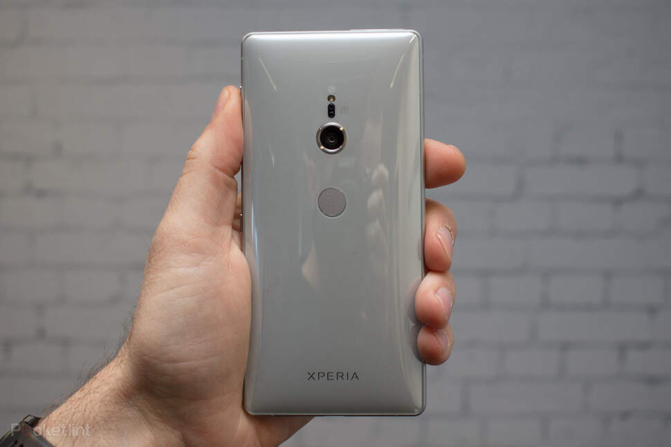 143688-phones-review-review-sony-xperia-xz2-image2-4vzurxfdmu.jpg
