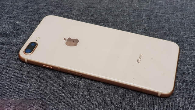 apple-iphone-8-plus-64gb-chinh-hang-doi-bao-hanh-chua-active-bhvn-1.jpg