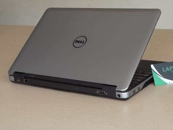 Dell Latitude E6540 5 (Copy).JPG