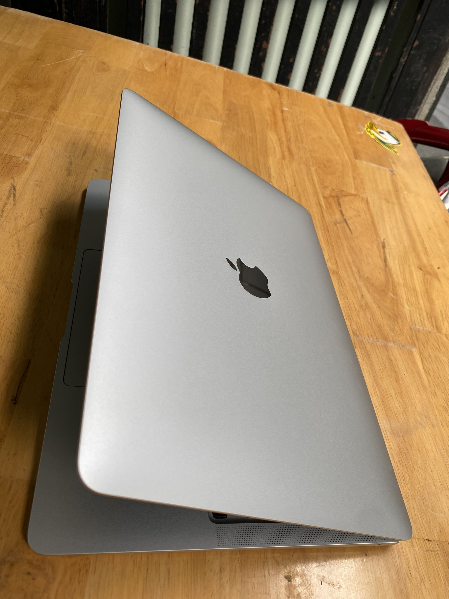 macbook air 2020 i7 new (6).JPG